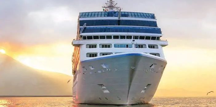 Oceania Cruises to Eliminate Plastic Water Bottles